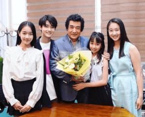藤岡弘と4人の子供達