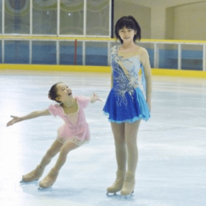 小芝風花と本田望結でフィギュアスケート