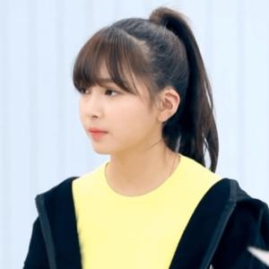 韓国合宿ミッション2、打ち合わせのときのマユカの髪色と髪型