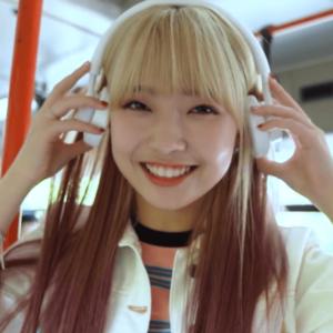 プレデビュー曲『Make your happy』MVのマユカの髪色と髪型