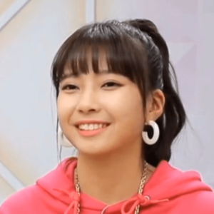 韓国合宿ミッション1、個人演技のときのマユカの髪色と髪型