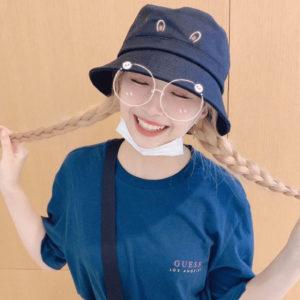 インスタ(NiziU Artist Official)の三つ編み姿のマユカの髪色と髪型