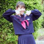 マコの中学の制服姿