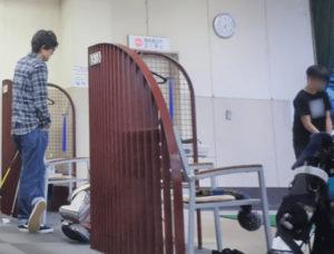 神宮外苑ゴルフ練習場の江口洋介と長男・大翔