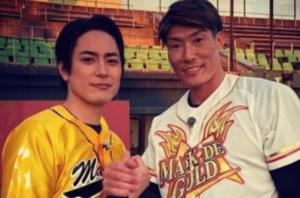 阪神タイガースの糸井嘉男選手と間宮祥太朗