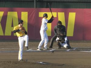 『炎の体育会TVSP』で現役プロ野球と対戦する間宮祥太朗