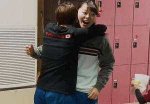 大学体操部のメンバーと平岩優奈