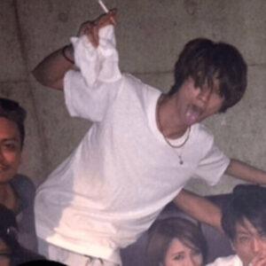 報道されたタバコを吸っている田中樹